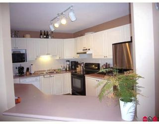 """Photo 7: 316 7171 121ST Street in Surrey: West Newton Condo for sale in """"THE HIGHLANDS"""" : MLS®# F2905802"""