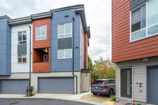 """Photo 3: 10 1670 160 Street in Surrey: King George Corridor Townhouse for sale in """"Isola"""" (South Surrey White Rock)  : MLS®# R2624791"""