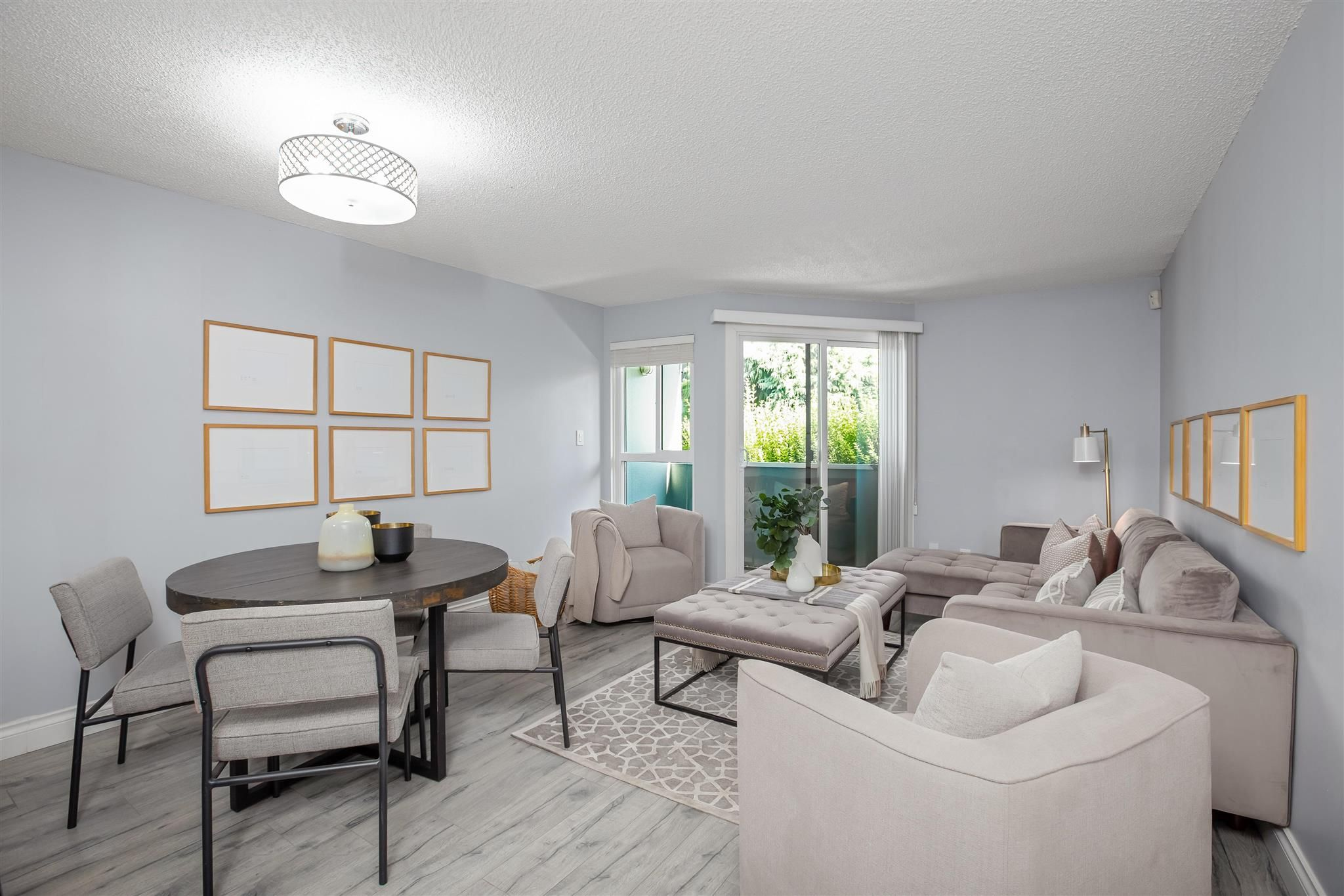 """Main Photo: 7 1870 YEW Street in Vancouver: Kitsilano Townhouse for sale in """"NEWPORT MEWS"""" (Vancouver West)  : MLS®# R2592619"""