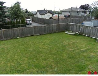 Photo 13: 12624 88A Avenue in Surrey: Queen Mary Park Surrey House for sale : MLS®# F2823035