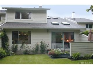 Photo 9: 11 1287 Verdier Ave in BRENTWOOD BAY: CS Brentwood Bay Row/Townhouse for sale (Central Saanich)  : MLS®# 339376