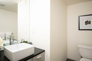 Photo 7: 301 29 SMITHE MEWS in Vancouver: Yaletown Condo for sale (Vancouver West)  : MLS®# R2411644