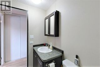 Photo 16: 38, 812 6 Avenue SW in Slave Lake: House for sale : MLS®# A1140933