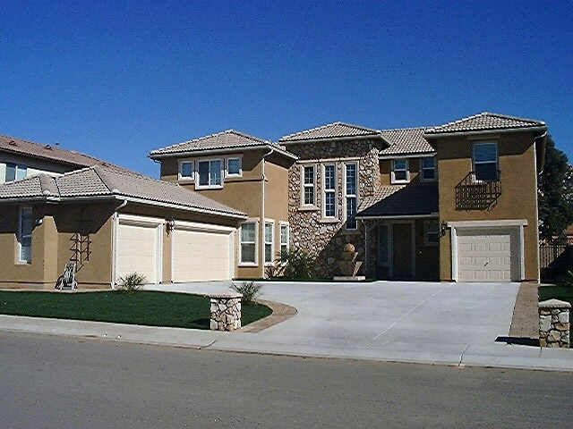 Main Photo: Residential for sale : 4 bedrooms : 525 Crystal Downs Glen in Escondido