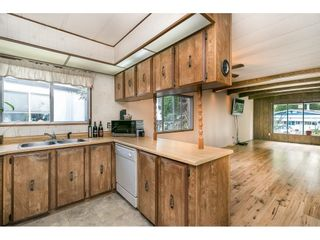 """Photo 10: 293 1840 160 Street in Surrey: King George Corridor Manufactured Home for sale in """"Breakaway Bays"""" (South Surrey White Rock)  : MLS®# R2616077"""