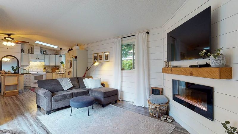 FEATURED LISTING: 5611 WAKEFIELD Road Sechelt