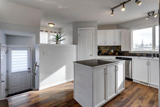 Photo 12: 400 Prestwick Circle SE in Calgary: McKenzie Towne Detached for sale : MLS®# A1070379