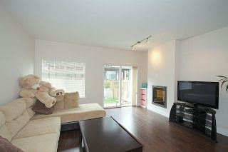 "Photo 3: 72 6299 144 Street in Surrey: Sullivan Station Townhouse for sale in ""Altura"" : MLS®# R2040563"