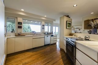 Photo 5: 2256 LAWSON AVE in West Vancouver: Dundarave House for sale : MLS®# R2058746