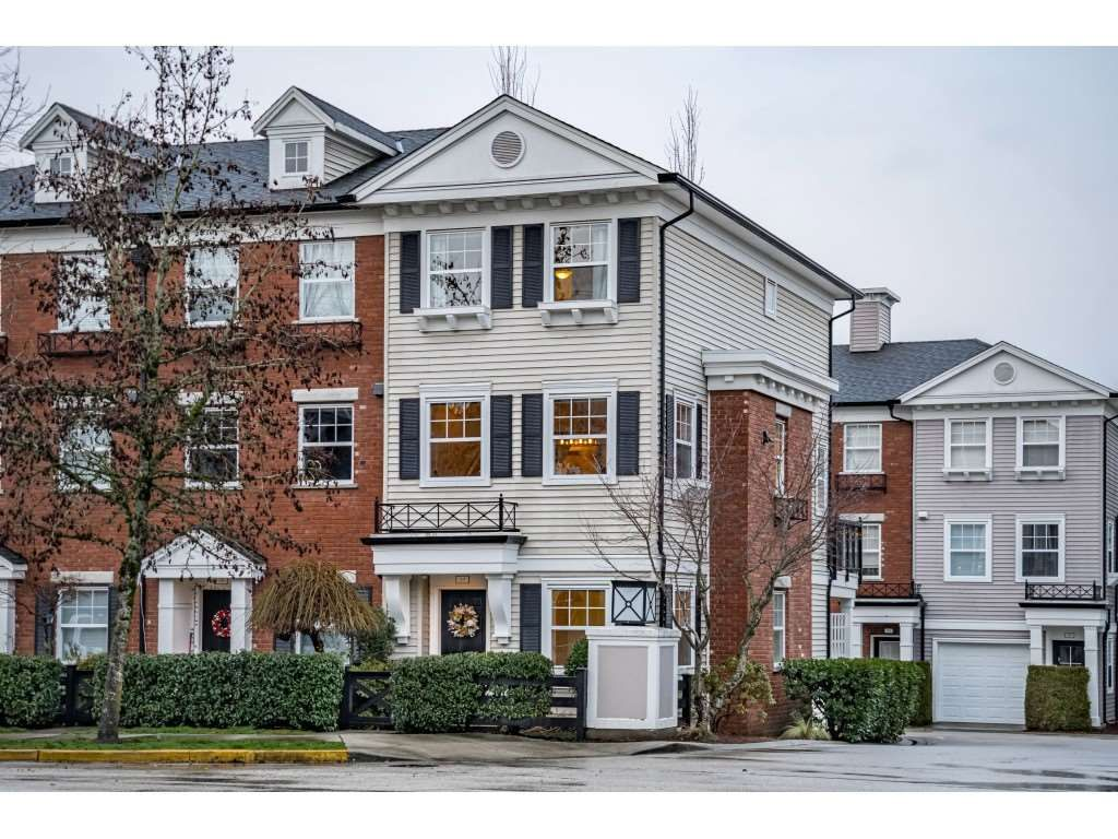 """Main Photo: 37 11067 BARNSTON VIEW Road in Pitt Meadows: South Meadows Townhouse for sale in """"COHO"""" : MLS®# R2431965"""