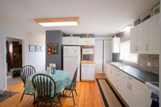 Photo 7: 304 Caledonia Street in Portage la Prairie: House for sale : MLS®# 202116624