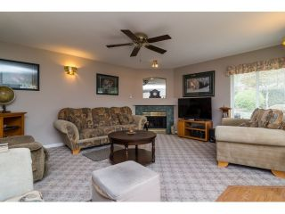 """Photo 11: 18155 60 Avenue in Surrey: Cloverdale BC House for sale in """"CLOVERDALE"""" (Cloverdale)  : MLS®# R2056638"""