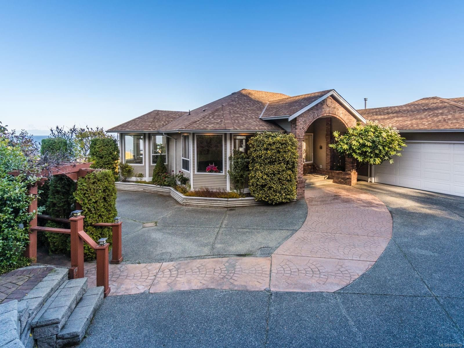 Main Photo: 5242 Laguna Way in : Na North Nanaimo House for sale (Nanaimo)  : MLS®# 860240