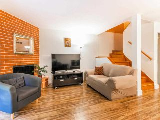 """Photo 3: 1285 EMERY Place in North Vancouver: Lynn Valley Townhouse for sale in """"YORKWOOD PARK"""" : MLS®# R2583782"""