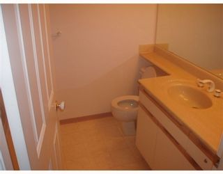 """Photo 7: 111 6860 RUMBLE Street in Burnaby: South Slope Condo for sale in """"GOVERNOR'S WALK"""" (Burnaby South)  : MLS®# V762679"""