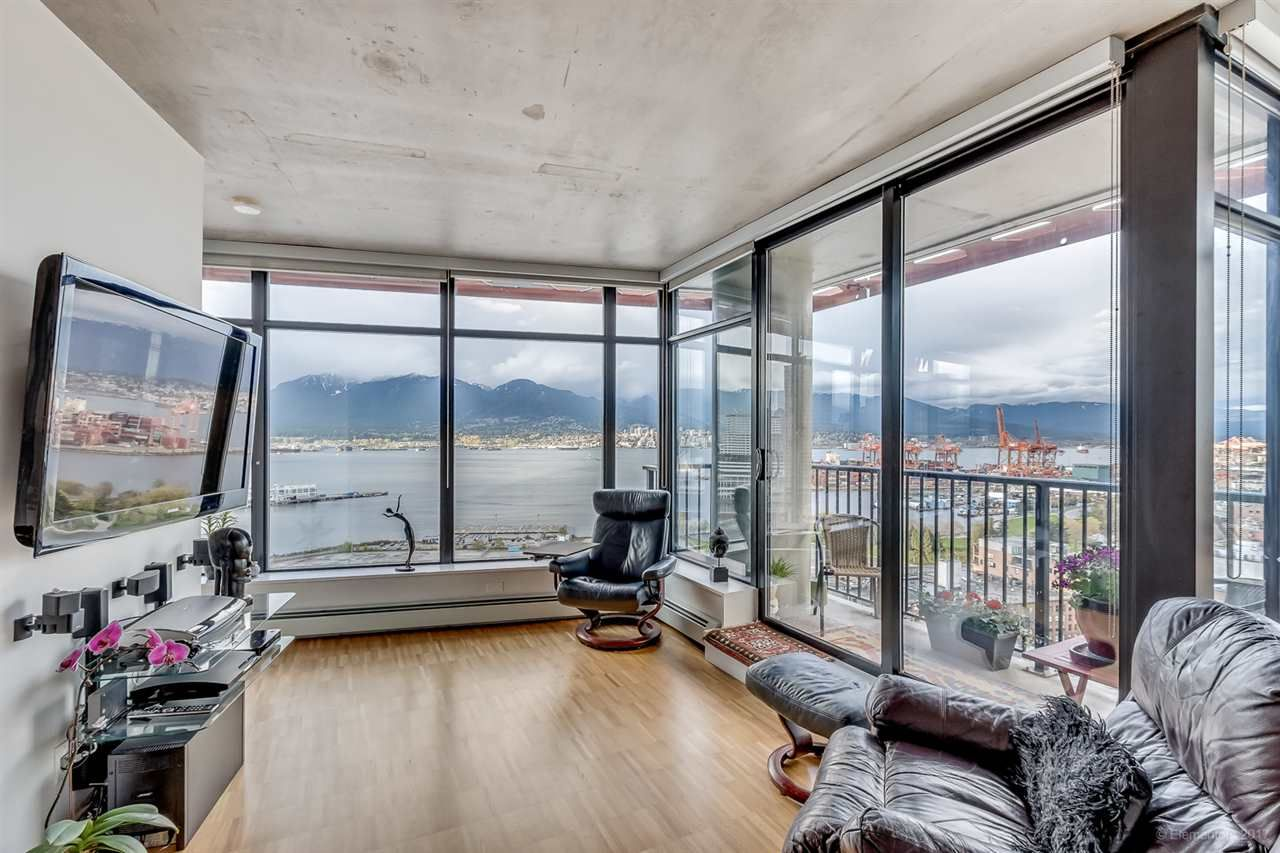 """Photo 5: Photos: 2503 128 W CORDOVA Street in Vancouver: Downtown VW Condo for sale in """"WOODWARDS W43"""" (Vancouver West)  : MLS®# R2199379"""