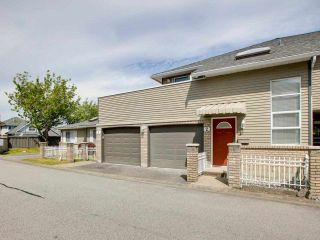 """Photo 3: 2 6320 48A Avenue in Delta: Holly Townhouse for sale in """"GARDEN ESTATES"""" (Ladner)  : MLS®# R2588124"""