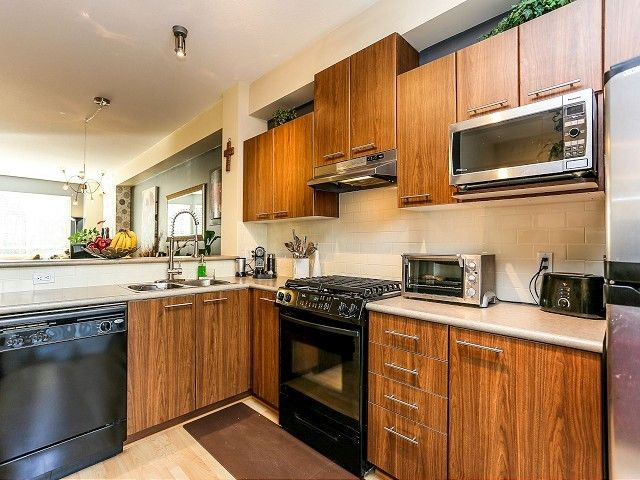 """Photo 8: Photos: 105 100 KLAHANIE Drive in Port Moody: Port Moody Centre Townhouse for sale in """"INDIGO"""" : MLS®# V1032337"""
