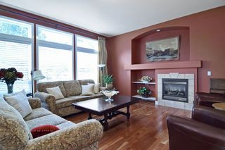 """Photo 3: 16522 61 Avenue in Surrey: Cloverdale BC House for sale in """"West Cloverdale"""" (Cloverdale)  : MLS®# R2043284"""