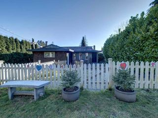 Photo 2: 727 TRICKLEBROOK Way in Gibsons: Gibsons & Area House for sale (Sunshine Coast)  : MLS®# R2531568
