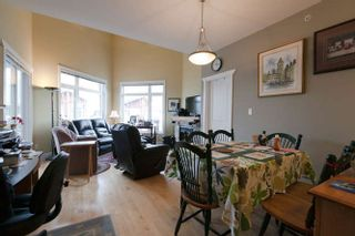 Photo 4: 413 4211 BAYVIEW STREET: Steveston South Home for sale ()  : MLS®# R2230647