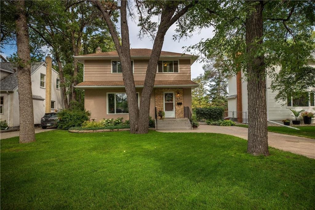 Main Photo: 647 Viscount Place in Winnipeg: East Fort Garry Residential for sale (1J)  : MLS®# 202021409