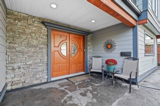 Photo 2: 1648 COQUITLAM Avenue in Port Coquitlam: Glenwood PQ House for sale : MLS®# R2617170