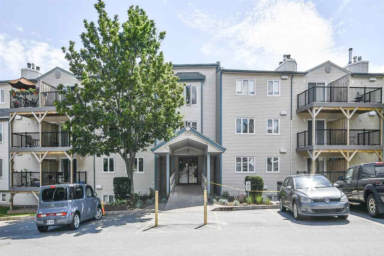 Main Photo: 208 3700 John Parr Drive in Halifax: 3-Halifax North Residential for sale (Halifax-Dartmouth)  : MLS®# 202013864