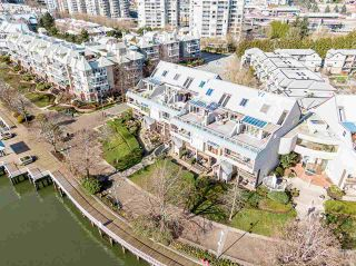 """Photo 21: 418 5 K DE K Court in New Westminster: Quay Condo for sale in """"Quayside Terrace"""" : MLS®# R2577586"""