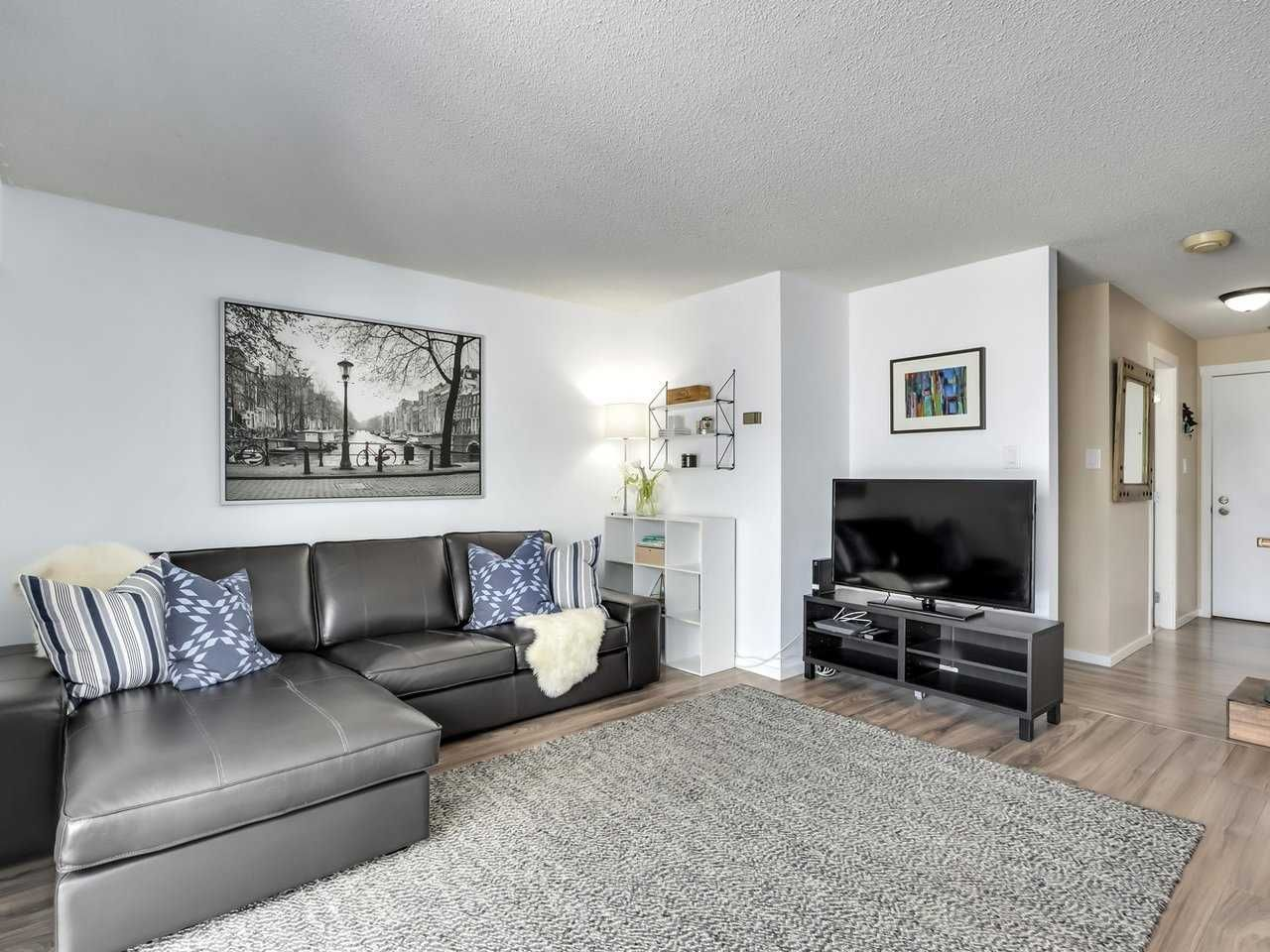 "Main Photo: 212 610 THIRD Avenue in New Westminster: Uptown NW Condo for sale in ""Jae-Mar Court"" : MLS®# R2567897"