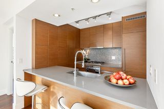 "Photo 10: 802 565 SMITHE Street in Vancouver: Downtown VW Condo for sale in ""VITA"" (Vancouver West)  : MLS®# R2539615"