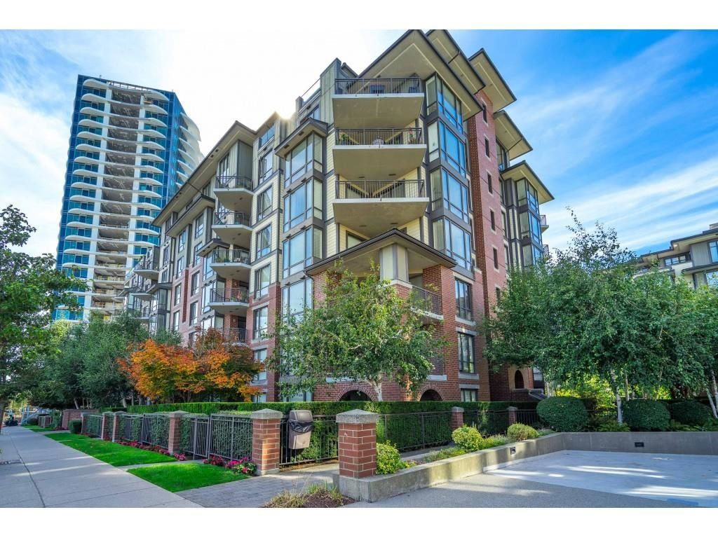 """Main Photo: 207 1551 FOSTER Street: White Rock Condo for sale in """"SUSSEX HOUSE"""" (South Surrey White Rock)  : MLS®# R2615231"""