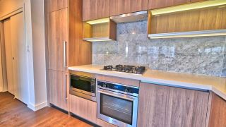 "Photo 8: 908 13696 100TH Avenue in Surrey: Whalley Condo for sale in ""Park Avenue West"" (North Surrey)  : MLS®# R2206731"
