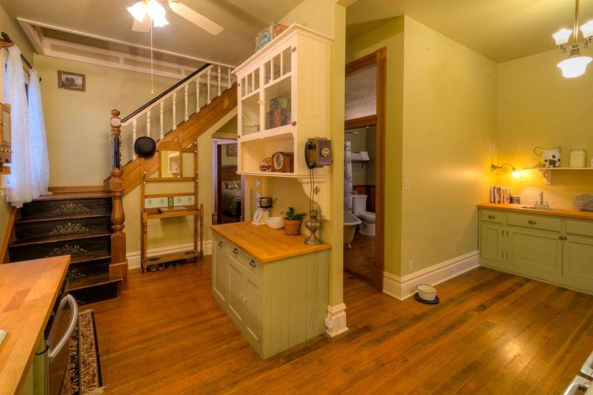 """Photo 26: Photos: 214 FOURTH Avenue in New Westminster: Queens Park House for sale in """"QUEENS PARK"""" : MLS®# R2136258"""