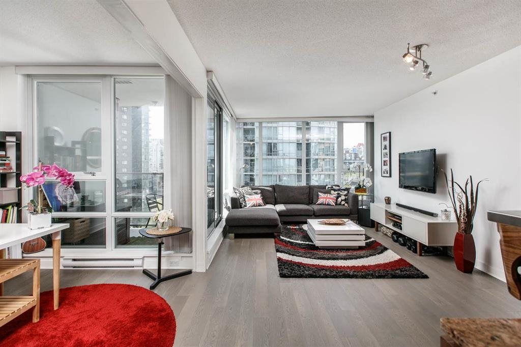 """Photo 2: Photos: 1105 1438 RICHARDS Street in Vancouver: Yaletown Condo for sale in """"AZURA 1"""" (Vancouver West)  : MLS®# R2109141"""