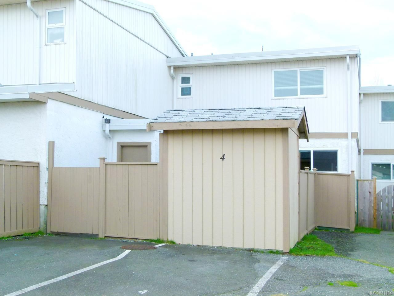 Main Photo: 4 400 Robron Rd in CAMPBELL RIVER: CR Campbell River Central Row/Townhouse for sale (Campbell River)  : MLS®# 831184