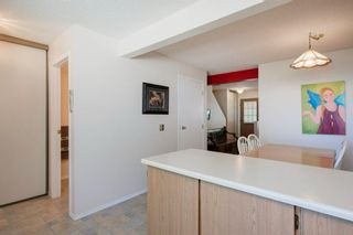 Photo 22: 332 Queenston Heights SE in Calgary: Queensland Row/Townhouse for sale : MLS®# A1114442