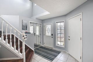 Photo 2:  in Calgary: Valley Ridge Detached for sale : MLS®# A1081088