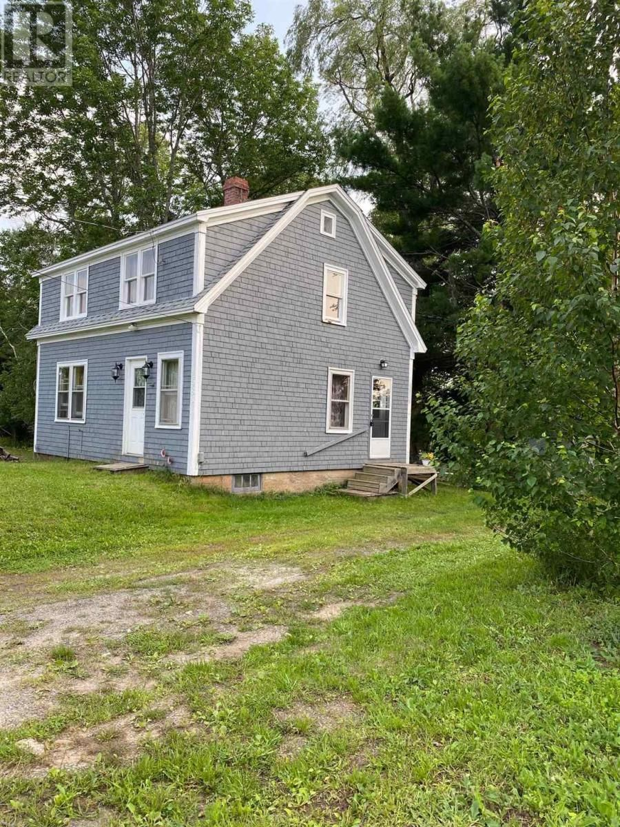 Main Photo: 4981 Northfield Road in Watford: House for sale : MLS®# 202119504