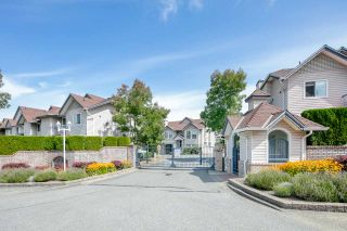 """Photo 2: 39 8716 WALNUT GROVE Drive in Langley: Walnut Grove Townhouse for sale in """"WILLOW ARBOUR"""" : MLS®# R2399861"""