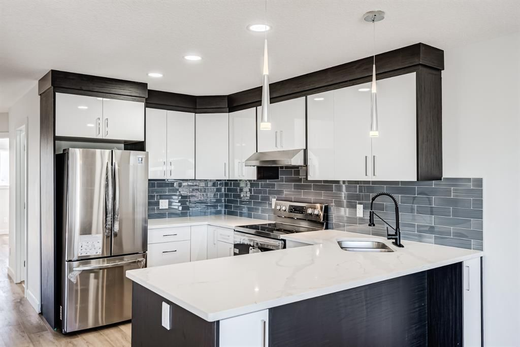 Main Photo: 87 Applebrook Circle SE in Calgary: Applewood Park Detached for sale : MLS®# A1132043