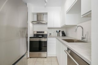 """Photo 10: 306 2133 DUNDAS Street in Vancouver: Hastings Condo for sale in """"Harbour Gate"""" (Vancouver East)  : MLS®# R2614513"""