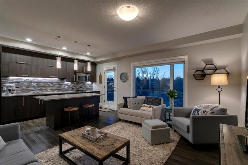 FEATURED LISTING: 405 - 93 34 Avenue Southwest Calgary