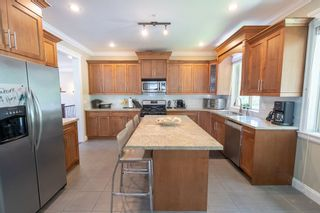 """Photo 5: 3869 CLEMATIS Crescent in Port Coquitlam: Oxford Heights House for sale in """"OXFORD HEIGHTS"""" : MLS®# R2391845"""