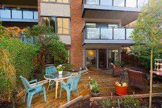 "Photo 3: 113 1405 W 15TH Avenue in Vancouver: Fairview VW Condo for sale in ""LANDMARK GRAND"" (Vancouver West)  : MLS®# R2562050"