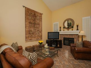 Photo 3: CARMEL VALLEY Townhouse for rent : 2 bedrooms : 13325 KIbbings in San Diego