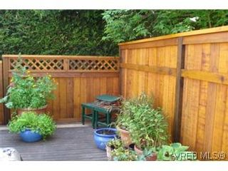 Photo 7: 601 640 Broadway Street in VICTORIA: SW Glanford Townhouse for sale (Saanich West)  : MLS®# 296652