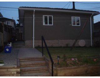 Photo 3: 4938 DOMINION Street in Burnaby: Central BN 1/2 Duplex for sale (Burnaby North)  : MLS®# V768717