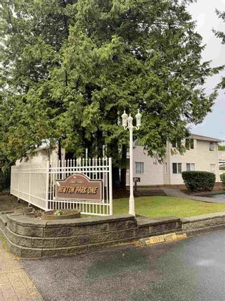 """Photo 1: 104 13915 72 Avenue in Surrey: West Newton Townhouse for sale in """"NEWTON PARK 1"""" : MLS®# R2522956"""