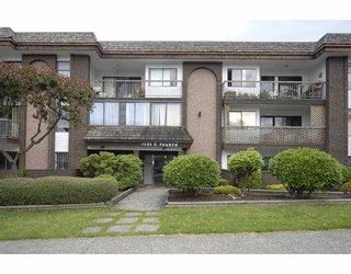 """Photo 1: 205 1585 E 4TH Avenue in Vancouver: Grandview VE Condo for sale in """"ALPINE PLACE"""" (Vancouver East)  : MLS®# V660323"""